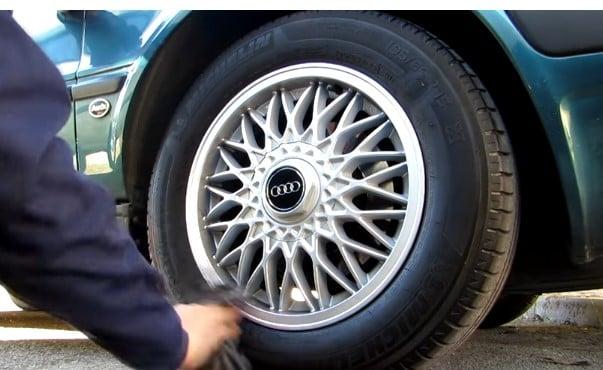 Como limpiar los neumáticos